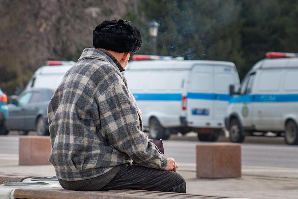 В Казахстане предложили снизить пенсионный возраст для работавших во вредных условиях