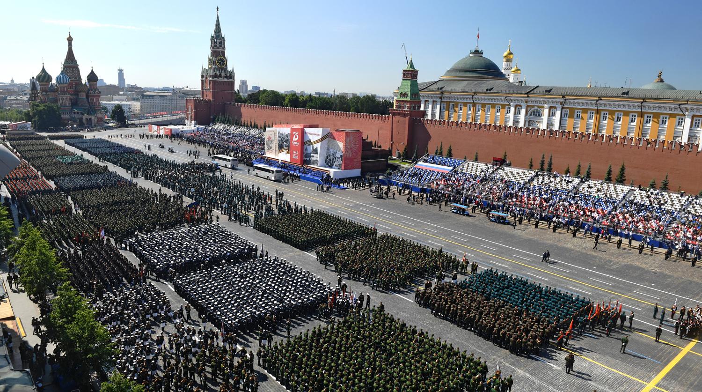 Победа в войне принадлежит советскому народу - Путин