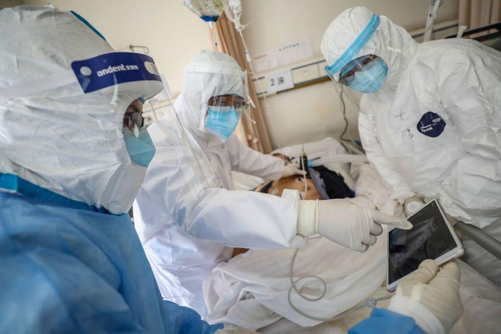 В Китае за сутки зарегистрировано 38 новых случаев смерти из-за коронавируса
