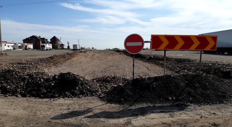 Путепровод, стоянки для отдыха, километры нового асфальта. Какой будет дорога между севером и западом страны?
