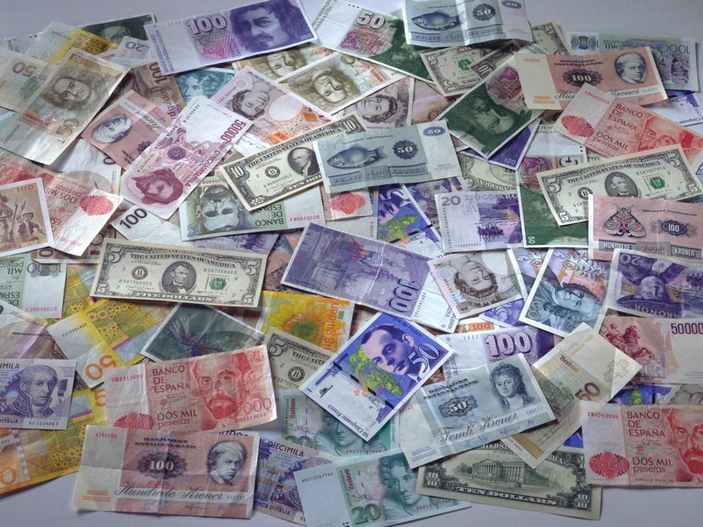 Готовились к выборам: в мае казахстанцы купили инвалюты на 281,7 млрд тенге , инвалюта , доллар , Евро, Рубль , юань, деньги