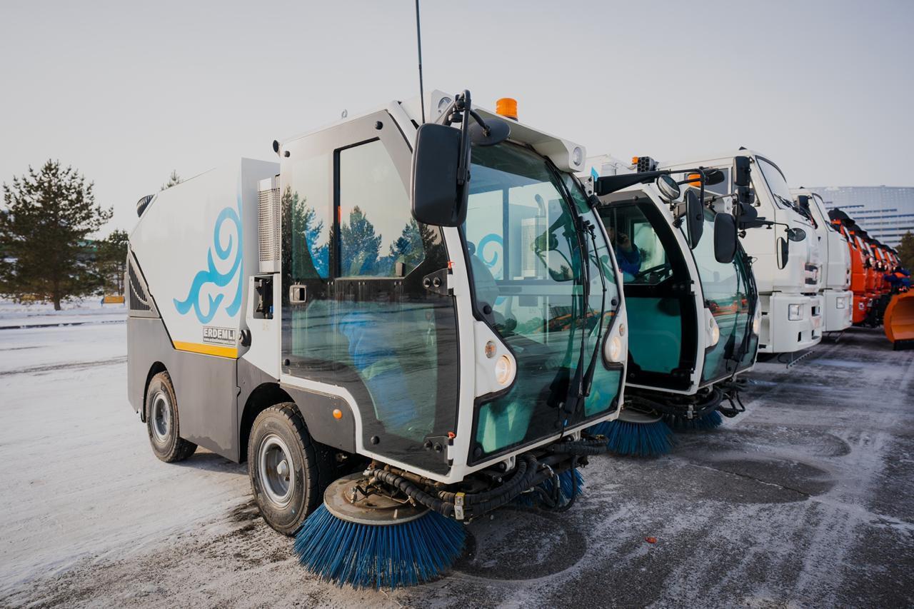 В коммунальную службу Нур-Султана поступило 60 единиц зимней спецтехники