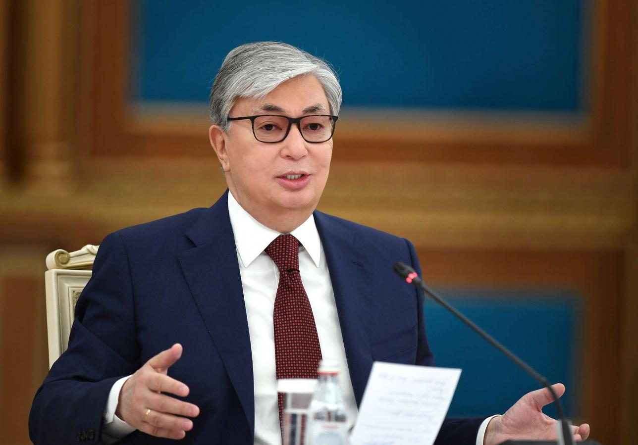 Токаев: Казахстан в ближайшие дни запустит производство двух вакцин от COVID-19: российской и отечественной