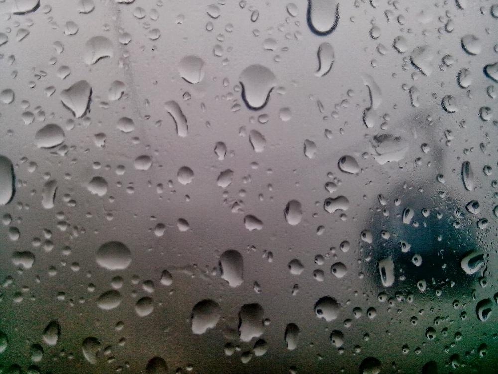 В девяти регионах Казахстана объявили штормовое предупреждение