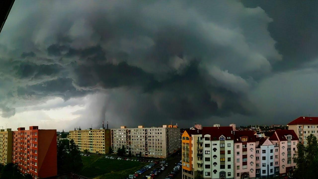 Торнадо пронесся в Чехии