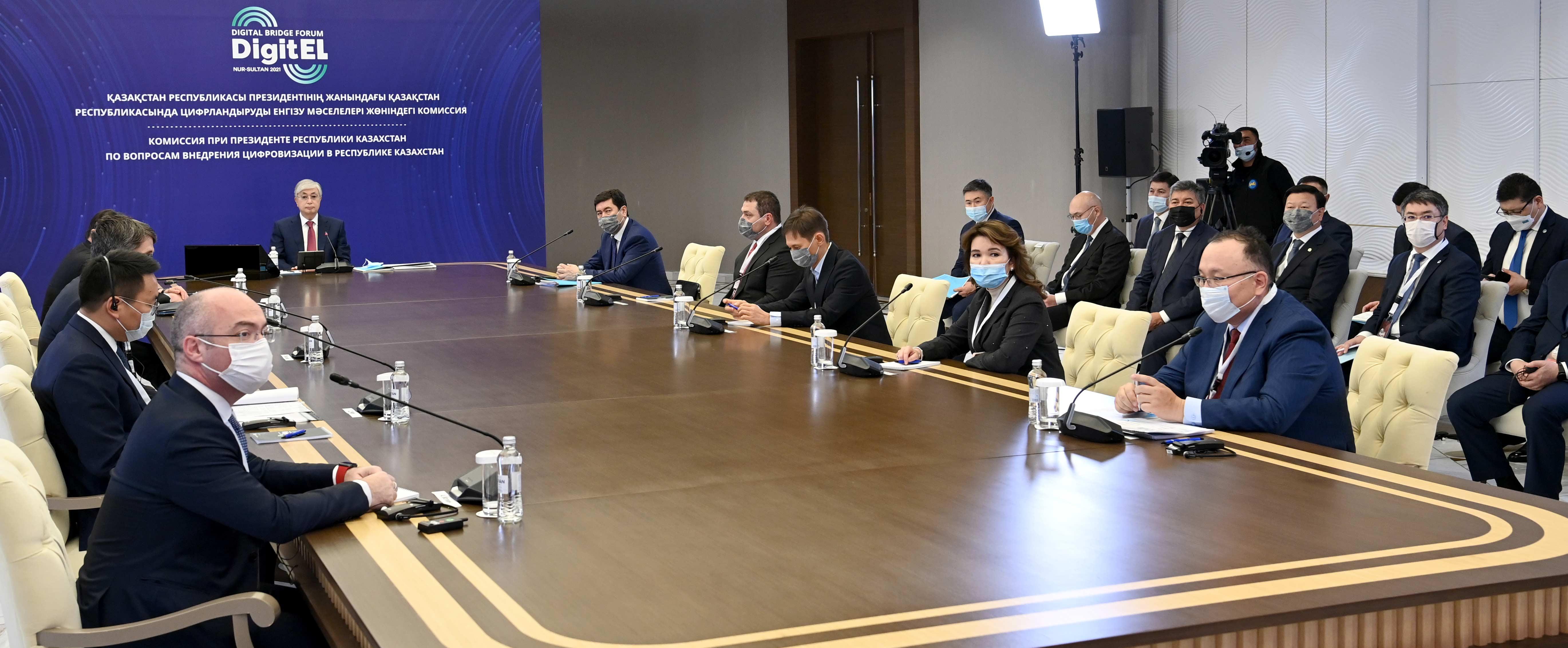Глава государства высказал недовольство качеством интернета и связи в стране