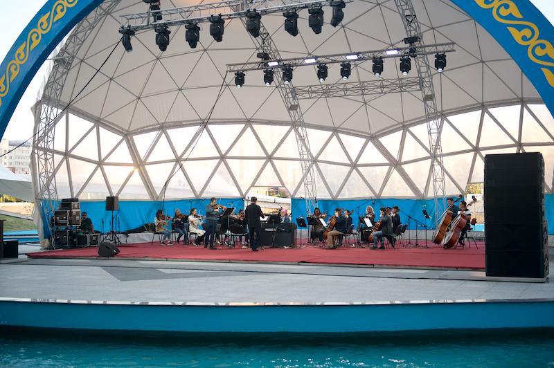 10 бесплатных концертов на открытом воздухе пройдут в Нур-Султане