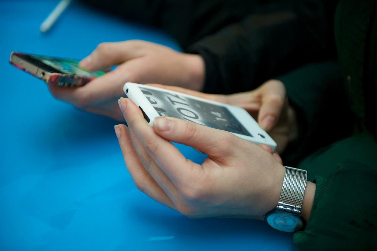 За попытку пронести смартфон на ЕНТ абитуриента лишат тестирования