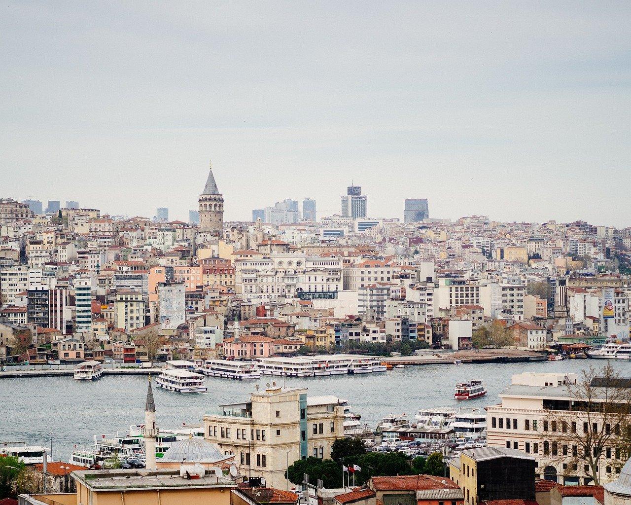 Турция возобновляет авиасообщение с двумя странами