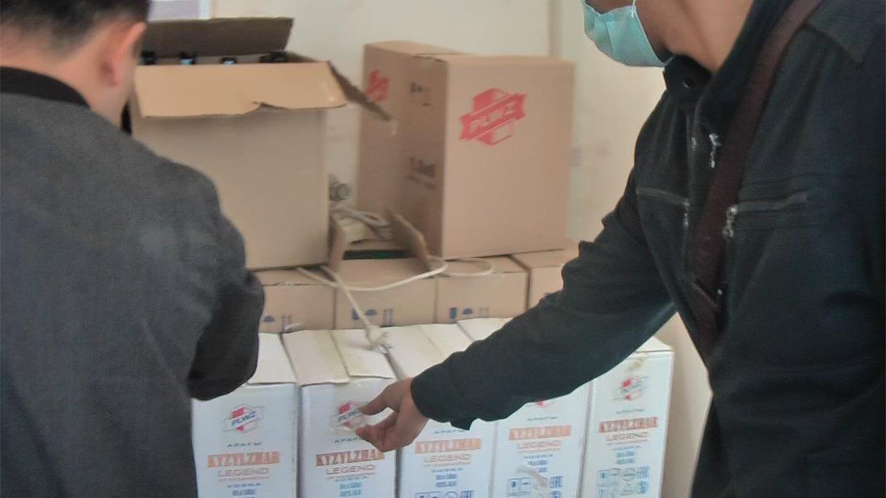 В Шымкенте выявлены 4 подпольных цеха по изготовлению суррогатного алкоголя