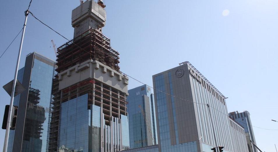 Күнгейі мен көлеңкесі көп кешен,  Abu Dhabi Plaza, «Абу-Даби Плаза», салық, Arabtec Consolidated Contractors Limited компаниясы