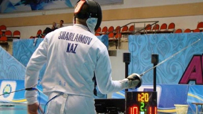 Гран-при по фехтованию на шпаге в Будапеште: казахстанец завоевал бронзу