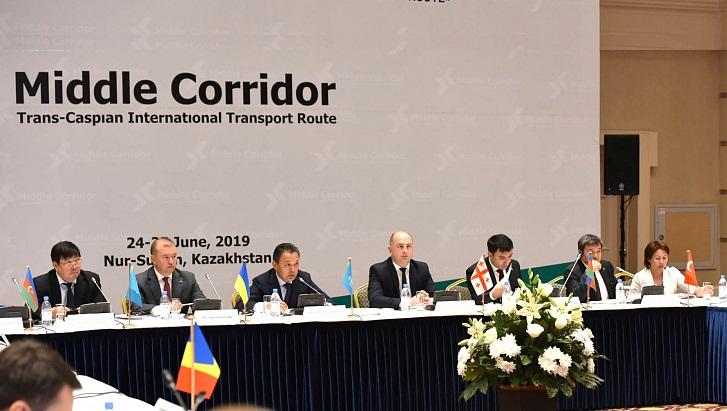 Участники Транскаспийского МТМ подписали соглашения, направленные на рост грузопотока по маршруту