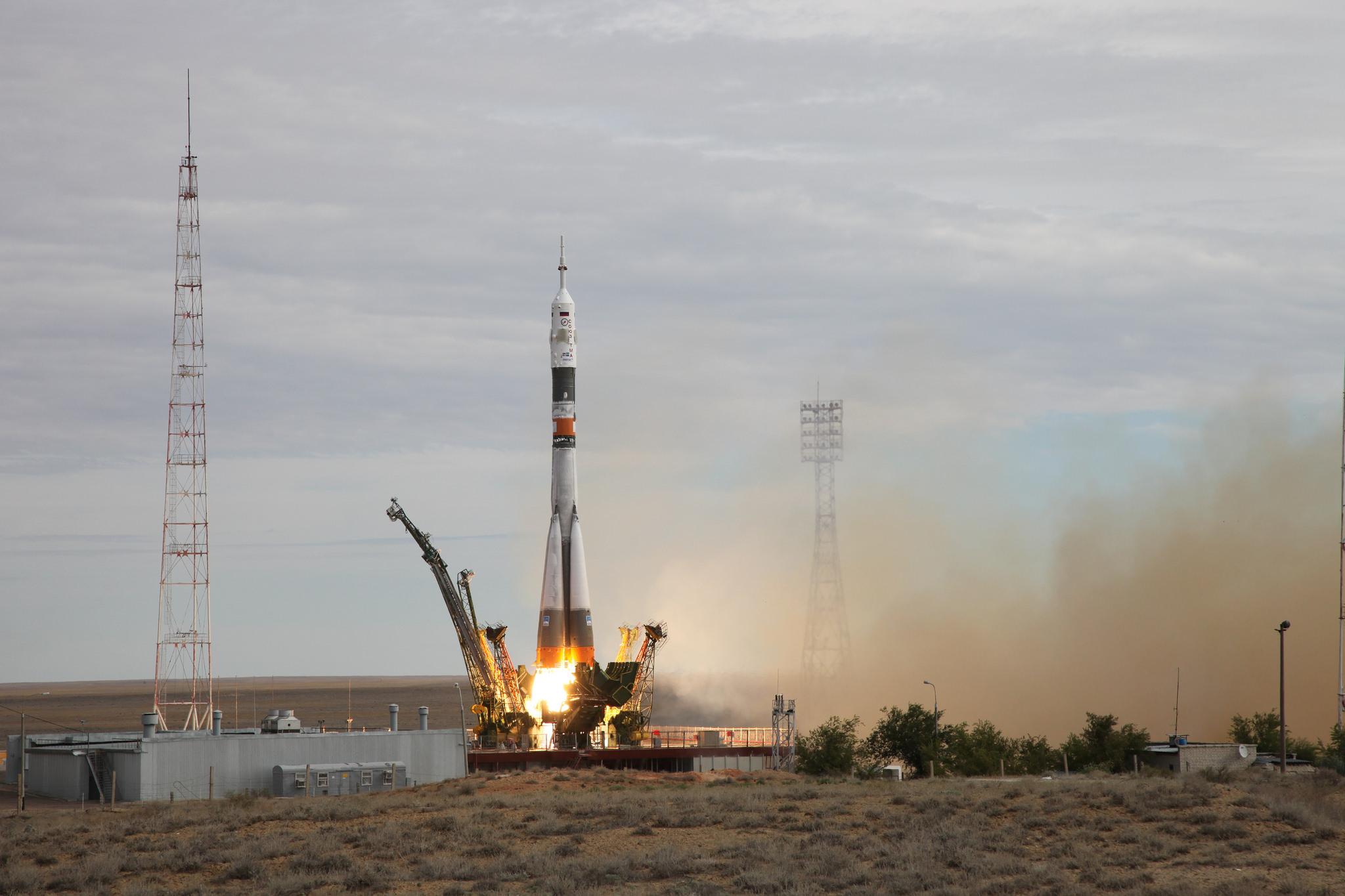 На космодроме Байконур готовятся к запуску японских спутников