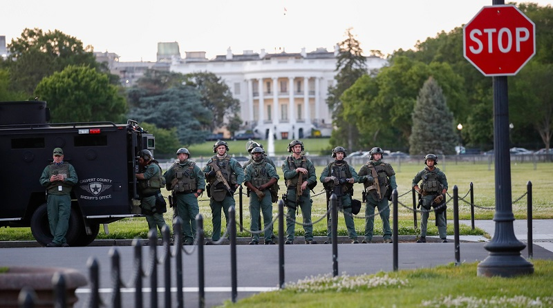Пентагон направил 1,6 тысячи солдат в район Вашингтона
