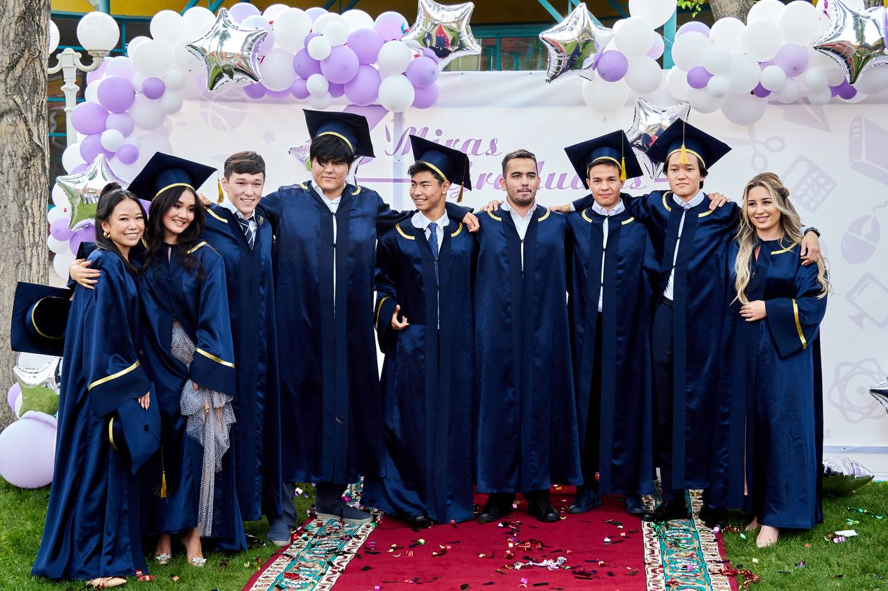 Выпускники школ «Мирас» поступили в топовые университеты мира без вступительных экзаменов