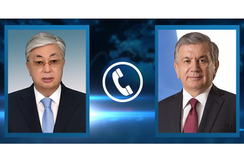 Президенты Казахстана и Узбекистана в телефонной беседе выразили надежду на скорейшую стабилизацию ситуации в Кыргызстане