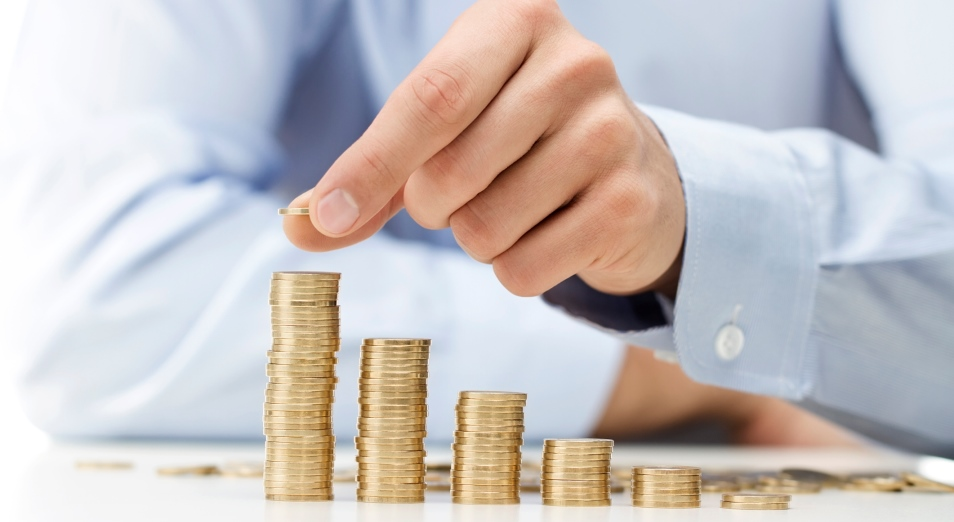 Зарплаты в Казахстане: банкиры подтянули статистику
