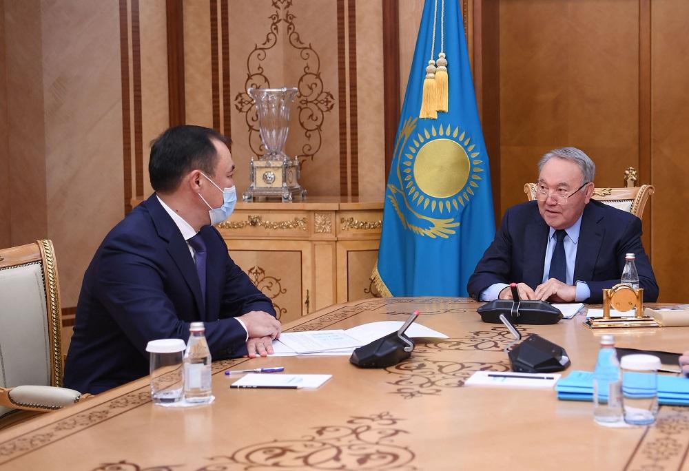 Казахстаном построено 2,5 тысячи километров железных дорог – Нурсултан Назарбаев