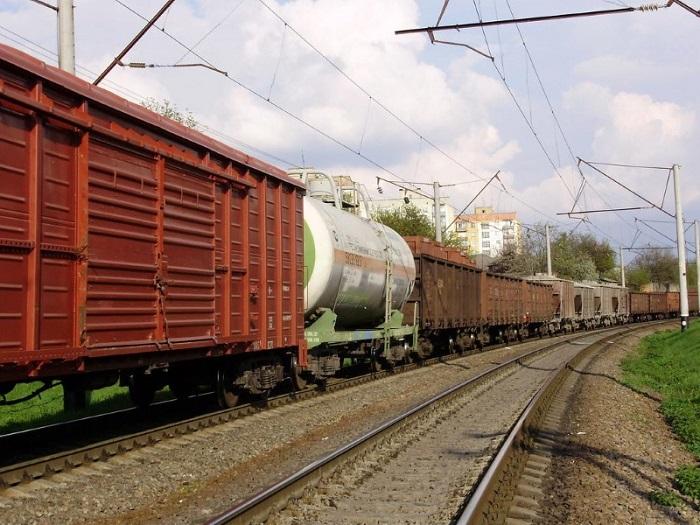 Казахстан вновь вводит временный запрет на прием грузов в КНР