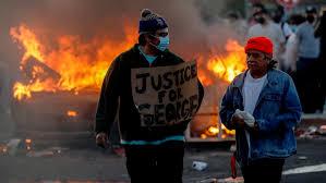 В США беспорядки и столкновения с полицией охватили более 10 крупных городов