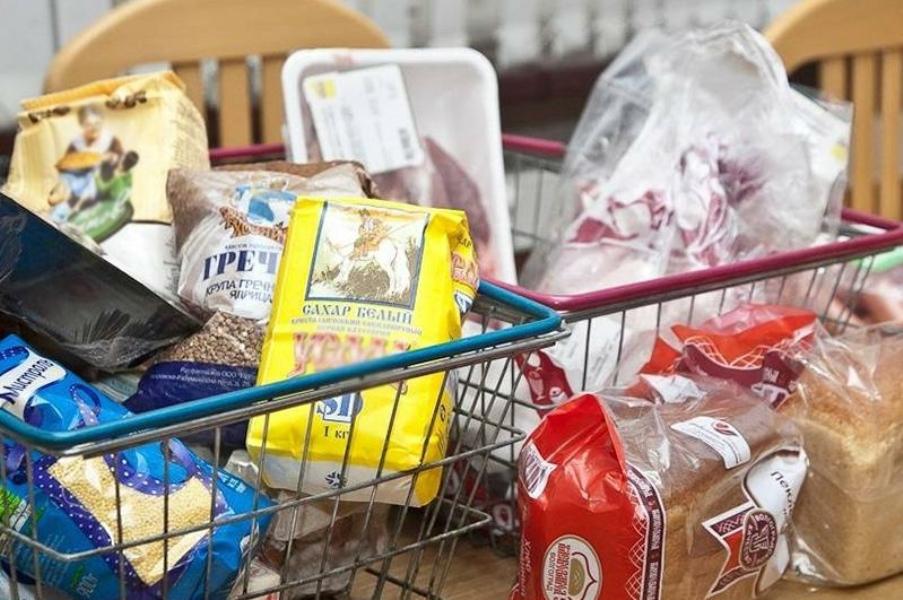Продуктовые наборы получили 200 жителей Усть-Каменогорска