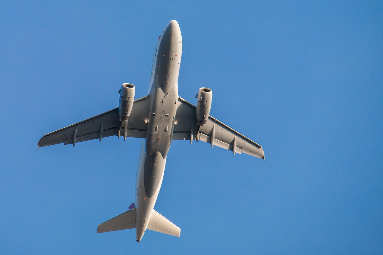 В Air Astana прокомментировали столкновение двух самолетов