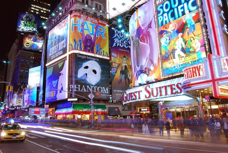 Из-за пандемии коронавируса театры Бродвея будут закрыты до конца года