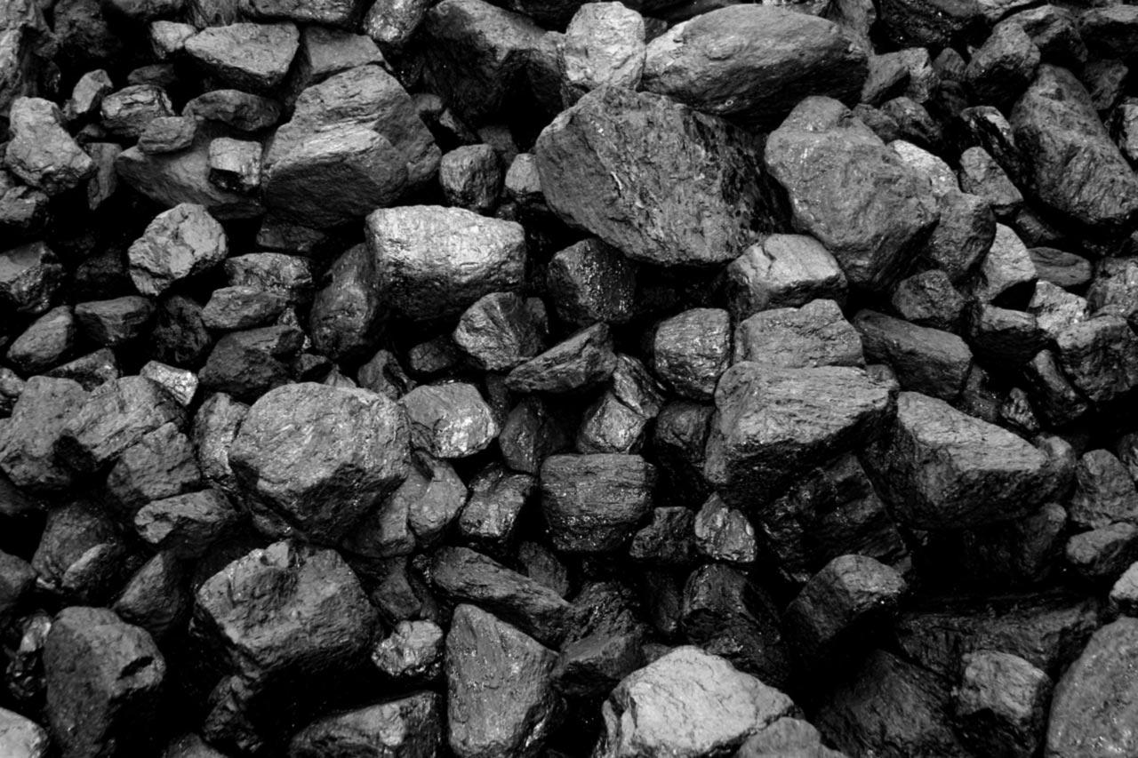 За время транспортировки цена на уголь  вырастает почти вдвое