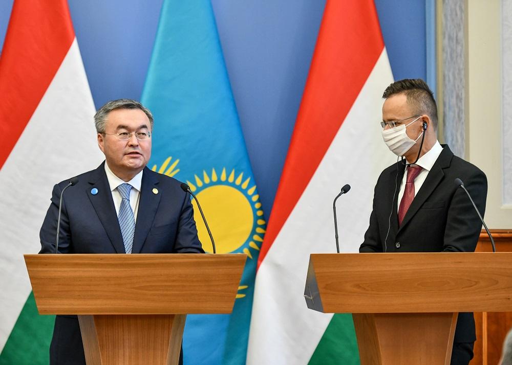 Глава МИД РК Мухтар Тлеуберди совершил официальный визит в Венгрию