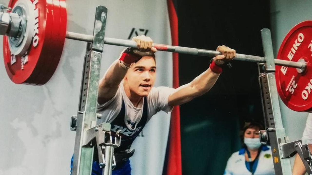 Спортсмен из Темиртау завоевал серебро на ЧМ по пауэрлифтингу