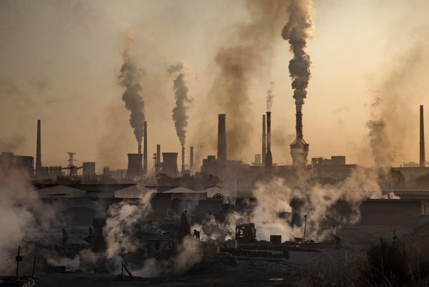 ДЧС Алматы опровергает слухи о 70-кратном превышении диоксида серы в воздухе