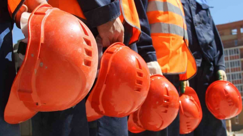В Казахстане выдали иностранцам более 20 тысяч разрешений на работу