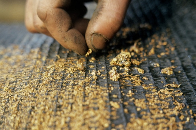Пограничники РК пресекли контрабандный вывоз в РФ 10 тонн золотосодержащей руды