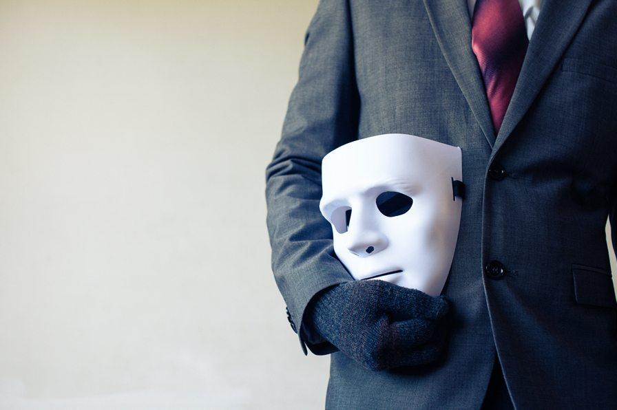 От правды не убежишь: что мошенник скрывает в своем прошлом