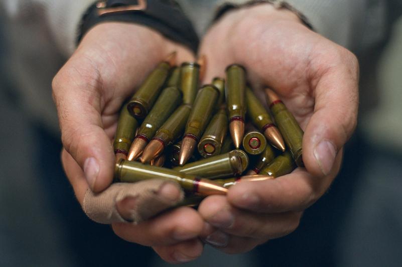 Пограничники Казахстана изъяли боеприпасы и ножи
