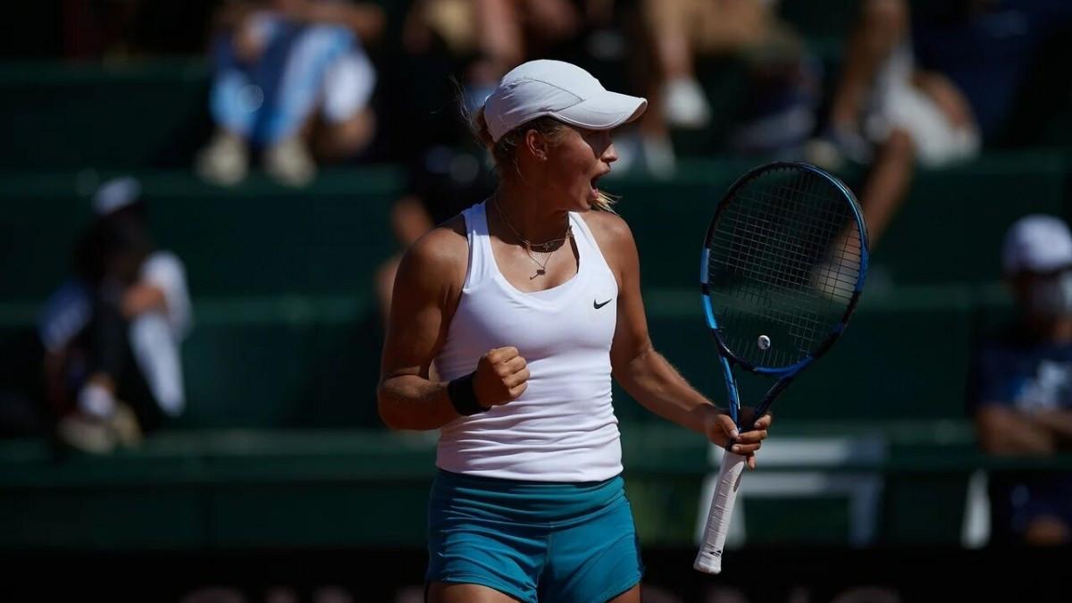 Юлия Путинцева вышла во второй круг теннисного турнира во Франции