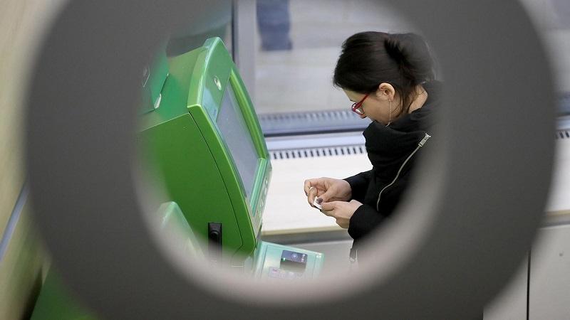 Сколько мошенники пытались похитить со счетов клиентов банков РФ