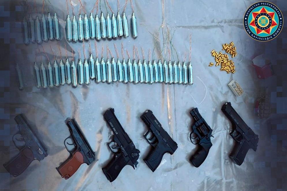 В Кокшетау ликвидировали подпольный цех по производству оружия
