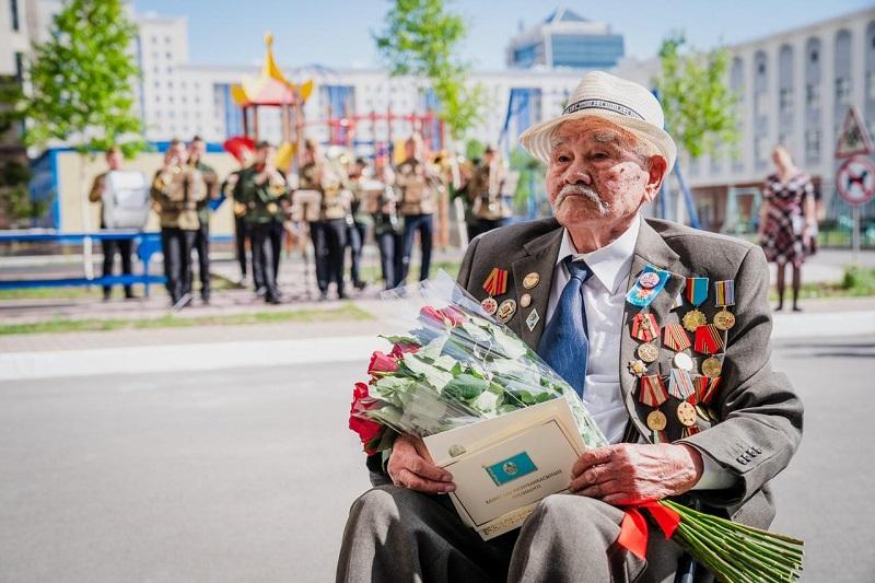 Столичные деятели культуры и искусства поздравили ветеранов ВОВ