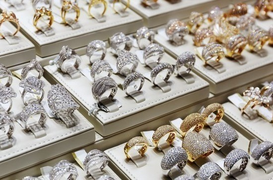 Ювелирный магазин в Париже ограбили на 500 тысяч евро