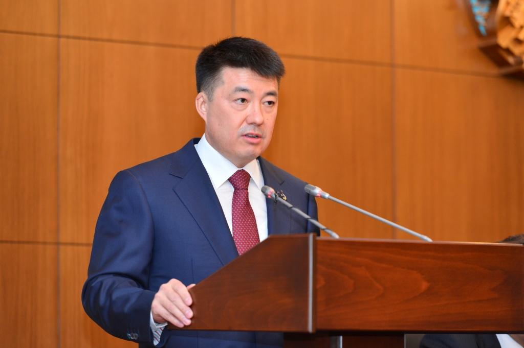 Бисембаев Абай Айдарханұлы,  Тұңғыш Президентінің көмекшісі