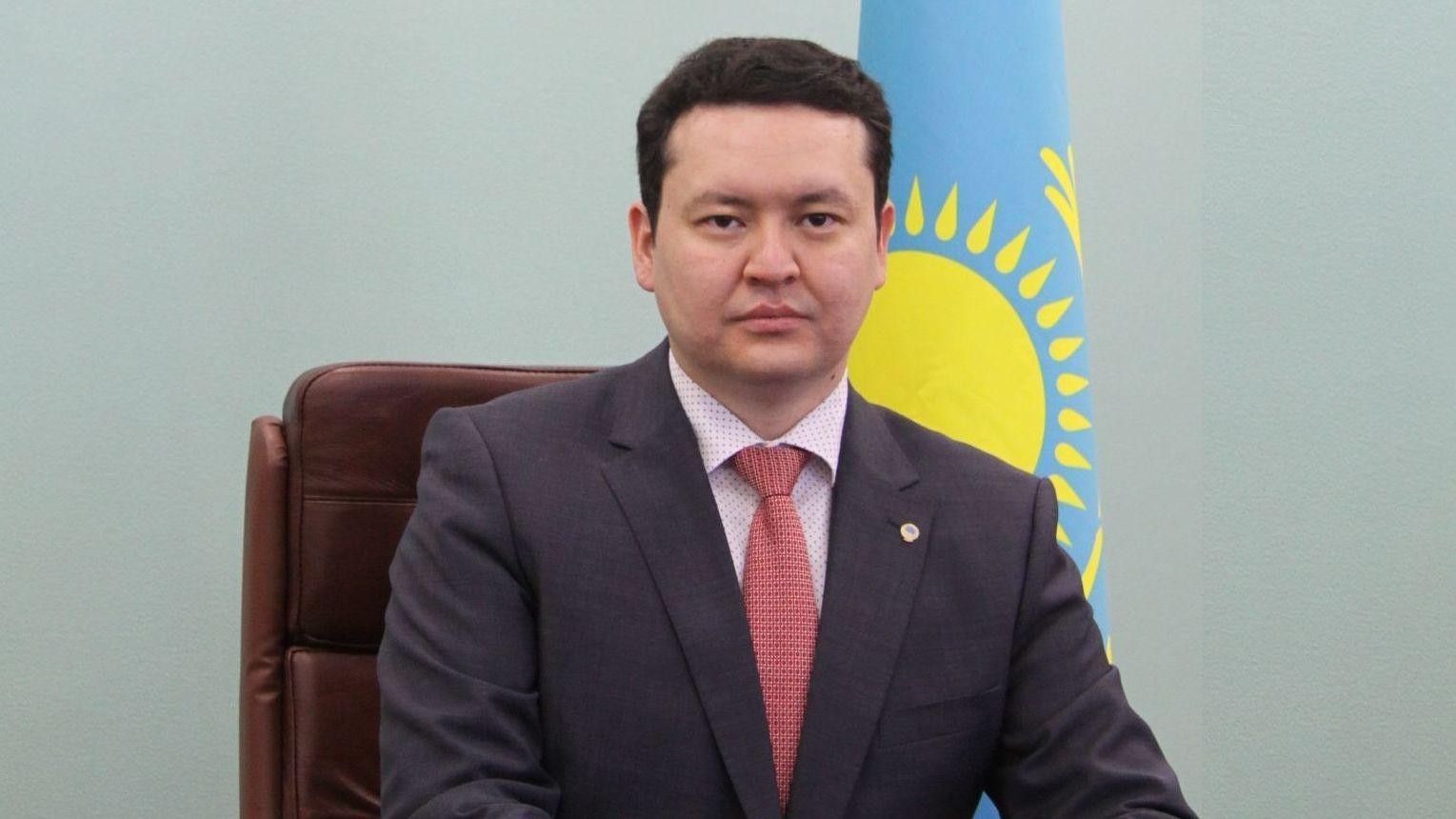 Досье: Абишев Олжас Амангельдиевич,  Олжас Абишев, Вице-министр здравоохранения РК