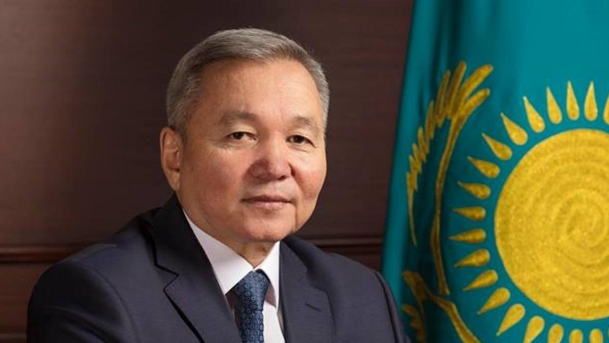 Досье: Надырбаев Акбатыр Алуадинович , МИИР РК
