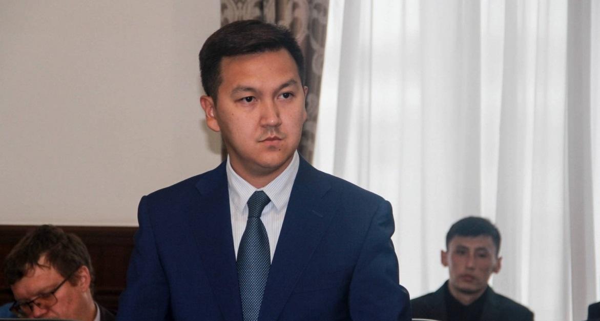 Досье: Кенжалинов Арыстан Толеухадысович, Арыстан Кенжалинов, досье