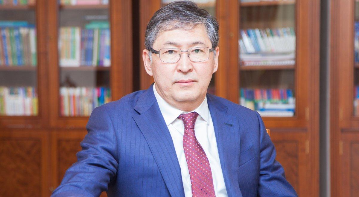 Досье: Сагадиев Ерлан Кенжегалиевич,  Ерлан Сагадиев, Министр образования и науки