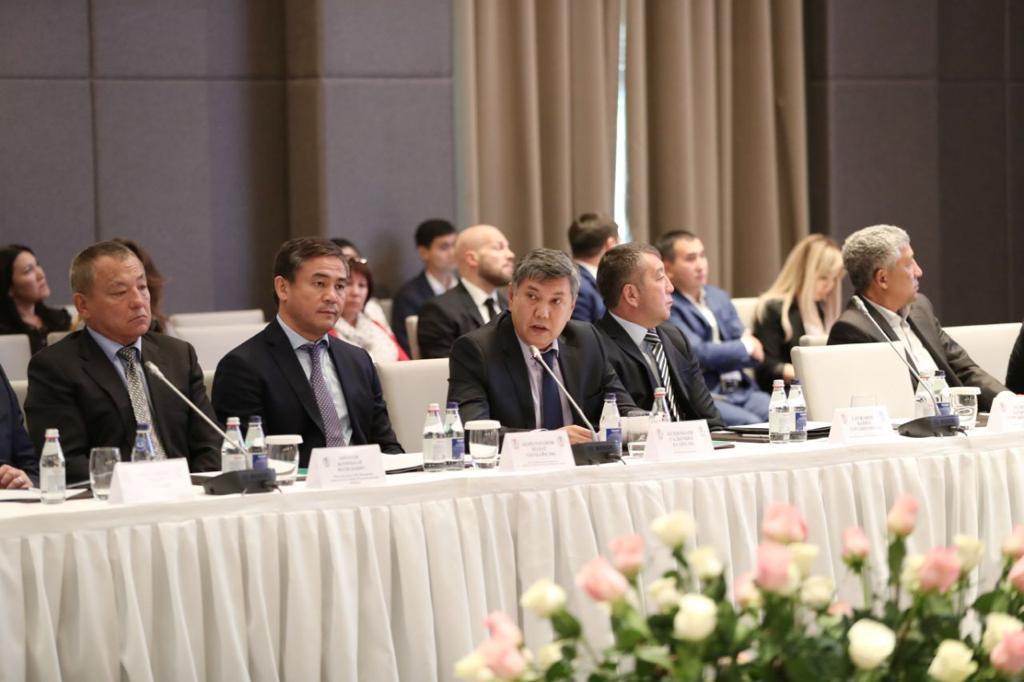 На пост президента Казахстанской федерации бокса избран Кенес Ракишев