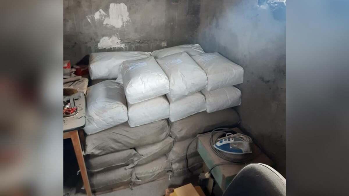 Более тонны ингредиентов для приготовления опия изъяли в Павлодаре