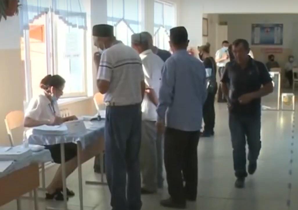 В Туркестанской области проголосовали более 64% избирателей