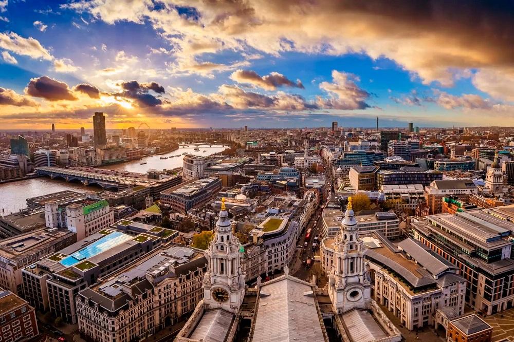 Цены на жилье в Великобритании подскочили до рекорда в октябре